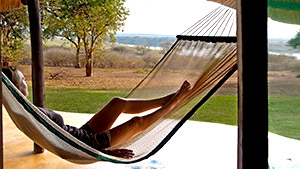 Zambezi-safari-relaxation.jpg (31 KB)